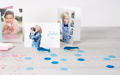 De leukste communiekaartjes met eigen foto's Maak de leukste communiekaartjes en uitnodigingen voor communie met eigen foto's en tekst! Kies een leuk ontwerp, personaliseer met foto's van de communicant en werk af met een persoonlijke tekst! Kies voor een standaard fotokaart of een kaart met ronde hoeken en selecteer de afwerking van voorkeur. Originele lentefeestkaartjes of kaartjes voor communie maak je snel en eenvoudig bij smartphoto.be! Begin nu met het maken van je communiekaarten!