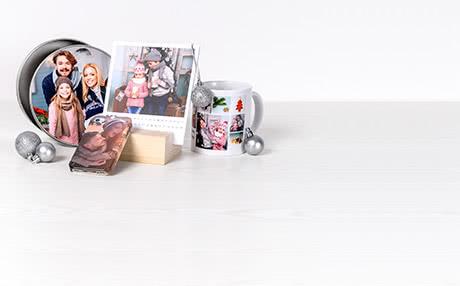 Gepersonaliseerde cadeaus voor kerst Originele kerstcadeaus met foto's vind je bij smartphoto! Kies uit meer dan 200 fotogeschenken het ideale geschenk voor kerst. Elk cadeau maak je uniek door je eigen foto's en tekst toe te voegen. Maak je eigen kerstcadeautjes al in enkele minuten!