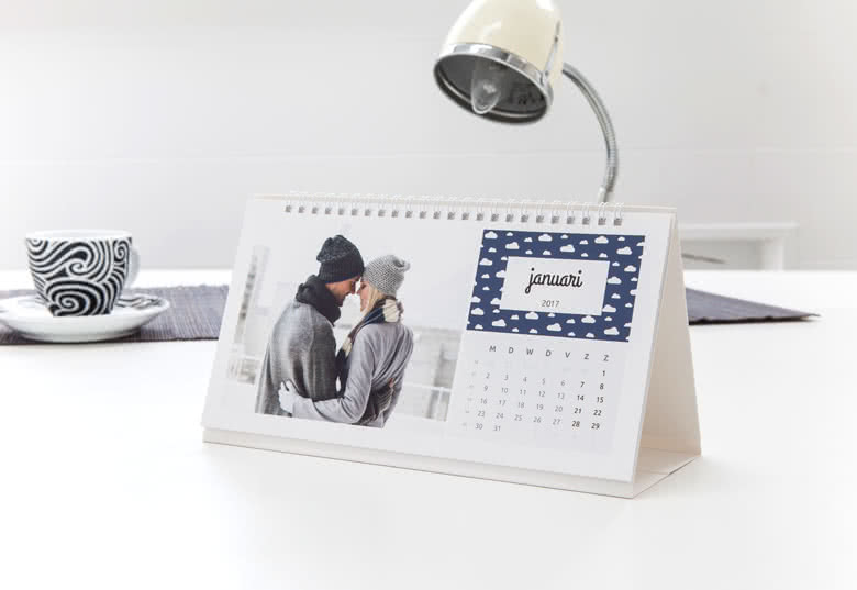 calendrier de bureau personnalis avec photos smartphoto. Black Bedroom Furniture Sets. Home Design Ideas