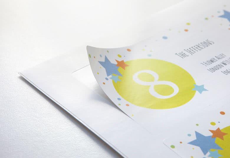 Zelfklevend, eenvoudige applicatie. Glanzende papieren stickers