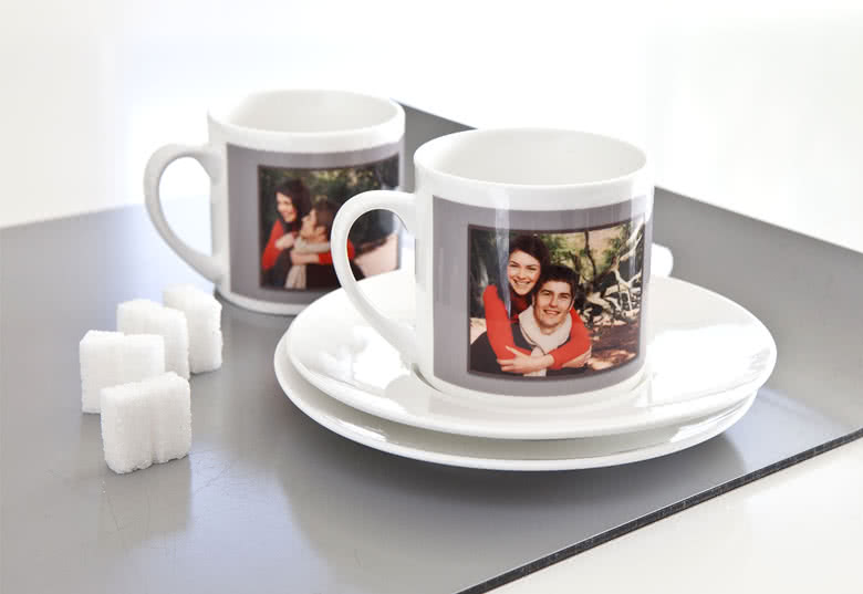 id e cadeau tasses caf personnalis es avec photos smartphoto. Black Bedroom Furniture Sets. Home Design Ideas