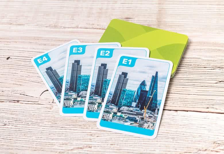 Personalisiertes Quartett Kartenspiel jetzt gestalten