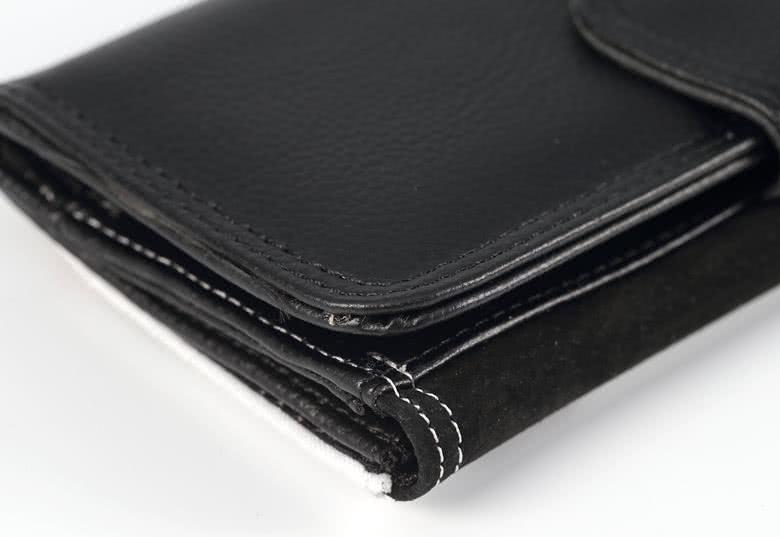 7 kredietkaartvakken en 2 papiergeldvakken