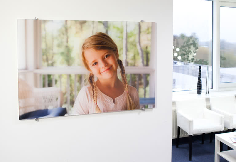 votre photo sur plexi personnalis e. Black Bedroom Furniture Sets. Home Design Ideas