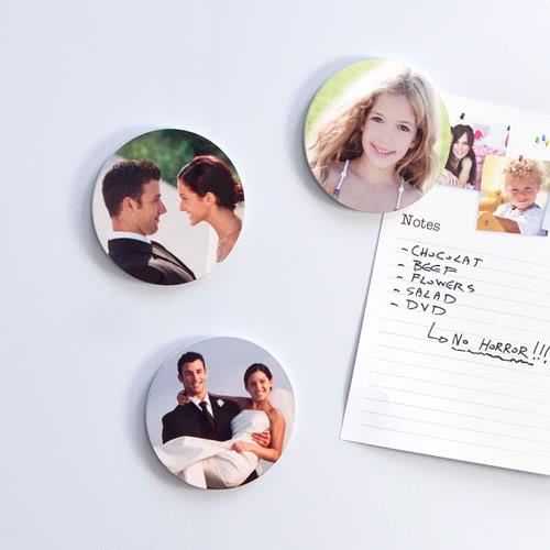 foto magnete magnete mit foto bedrucken selbsthaftende magnete magnet online gestalten. Black Bedroom Furniture Sets. Home Design Ideas