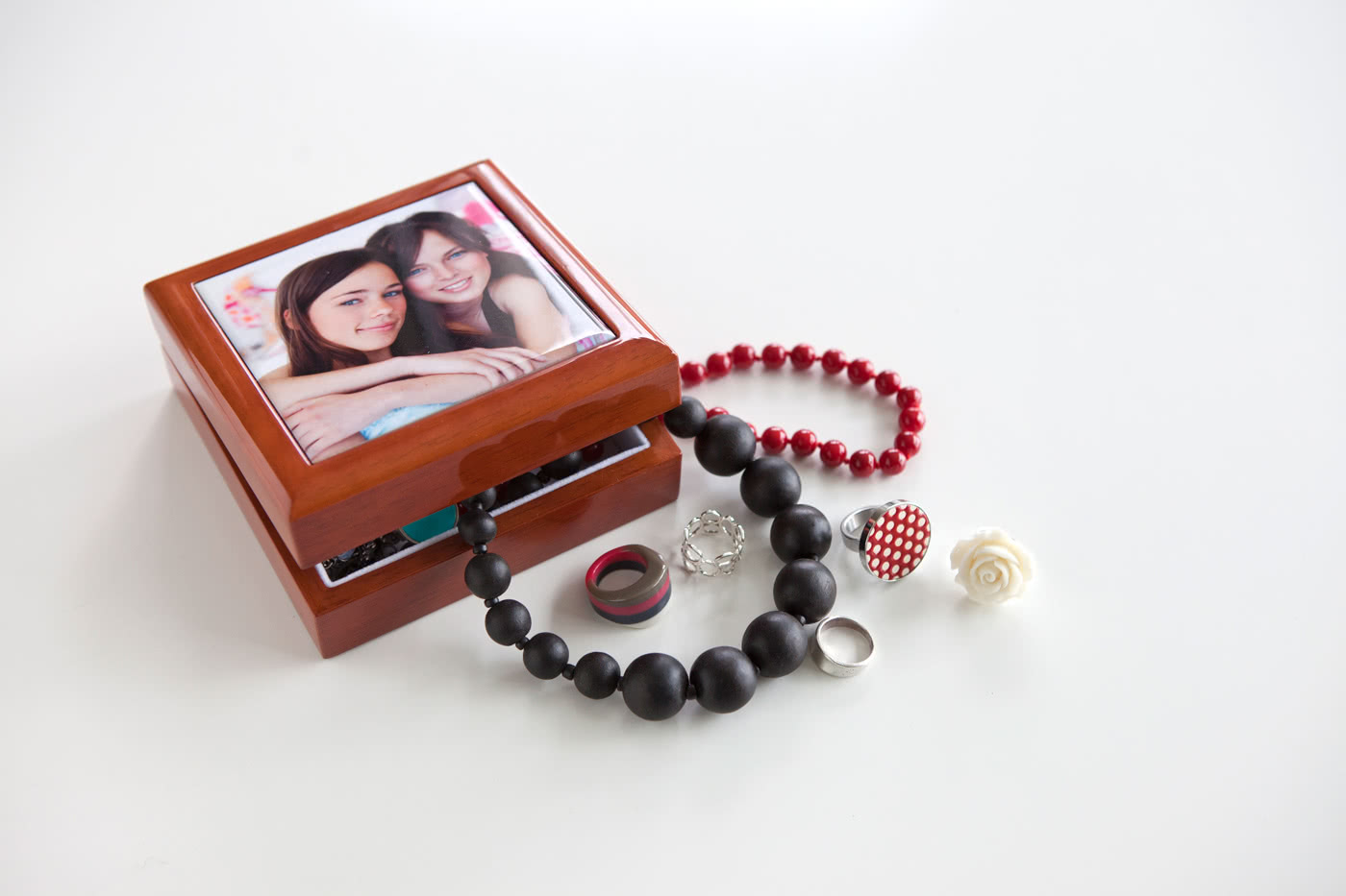 schmuckk stchen mit foto jetzt online selbst gestalten. Black Bedroom Furniture Sets. Home Design Ideas