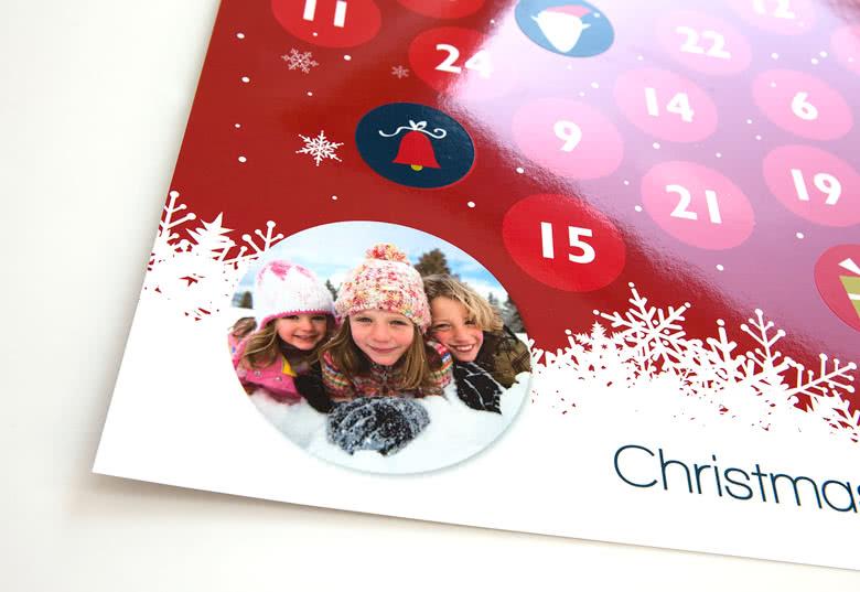 Kalender aus hochwertigem laminiertem Papier