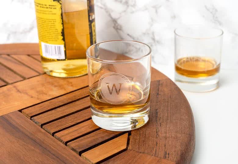 Créez votre verre à whisky gravé