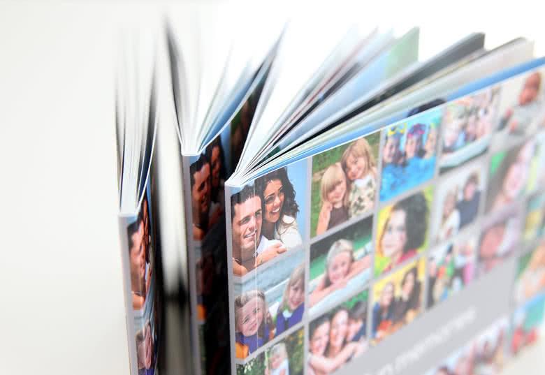 Kollage på mjukt omslag med alla 52 foton som du har valt