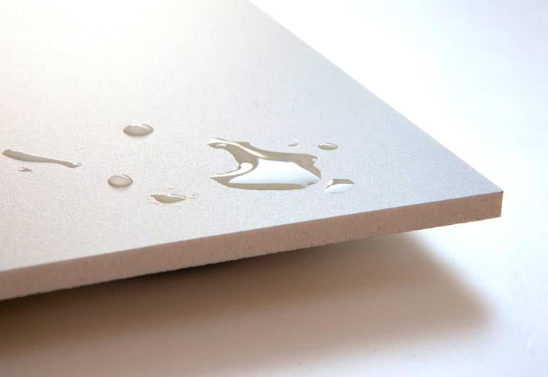 Die 5Millimeter dicke Forex®-Platte besteht aus zwei Kunststoffplatten mit einer Zwischenschicht aus Hartschaum; der Fotodruck hat ein schönes mattes Finish.